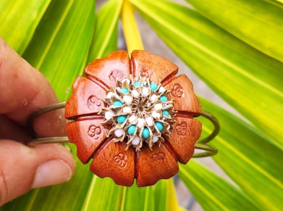 Les bijoux provenant des filaos de Nomade Péi